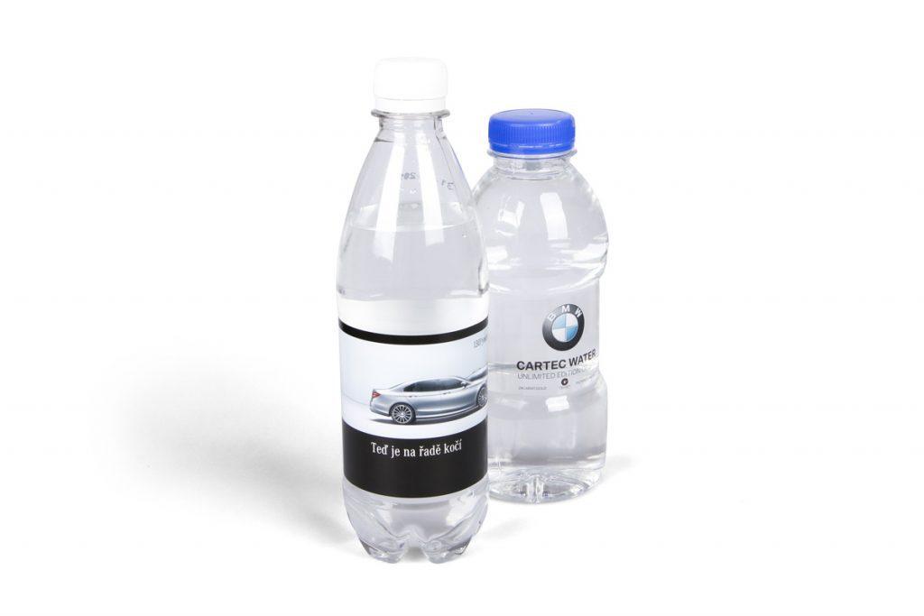 Reklamní voda s vlastní etiketou