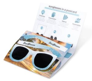 Reklamní brýle v kartě