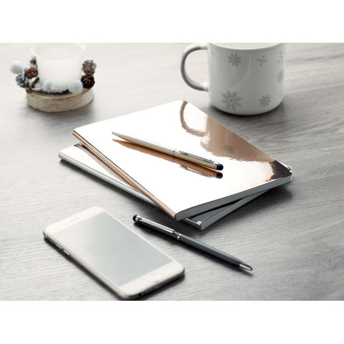 Zápisník s lesklou obálkou