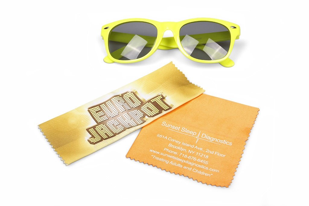 reklamní čisticí hadříky na brýle