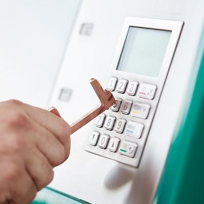 kovový hygienický klíč